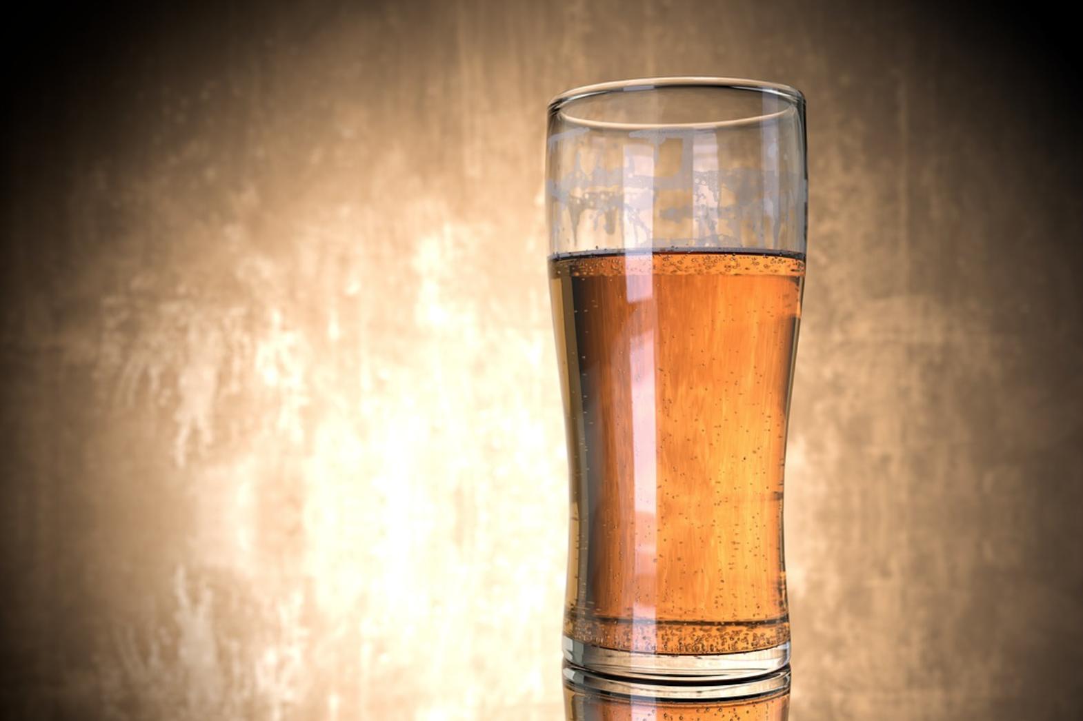 """连德国人都不爱喝啤酒了?销量逐年减少,""""无酒精""""啤酒逐渐走红"""