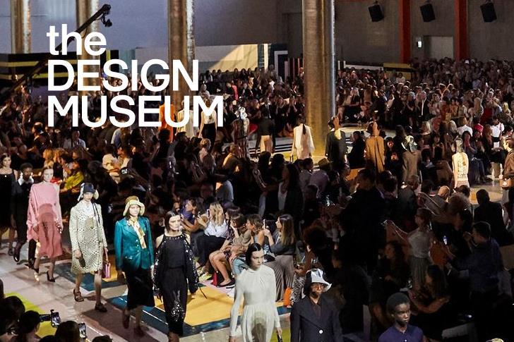 Prada 品牌大型回顾展今年9月在伦敦设计博物馆举办