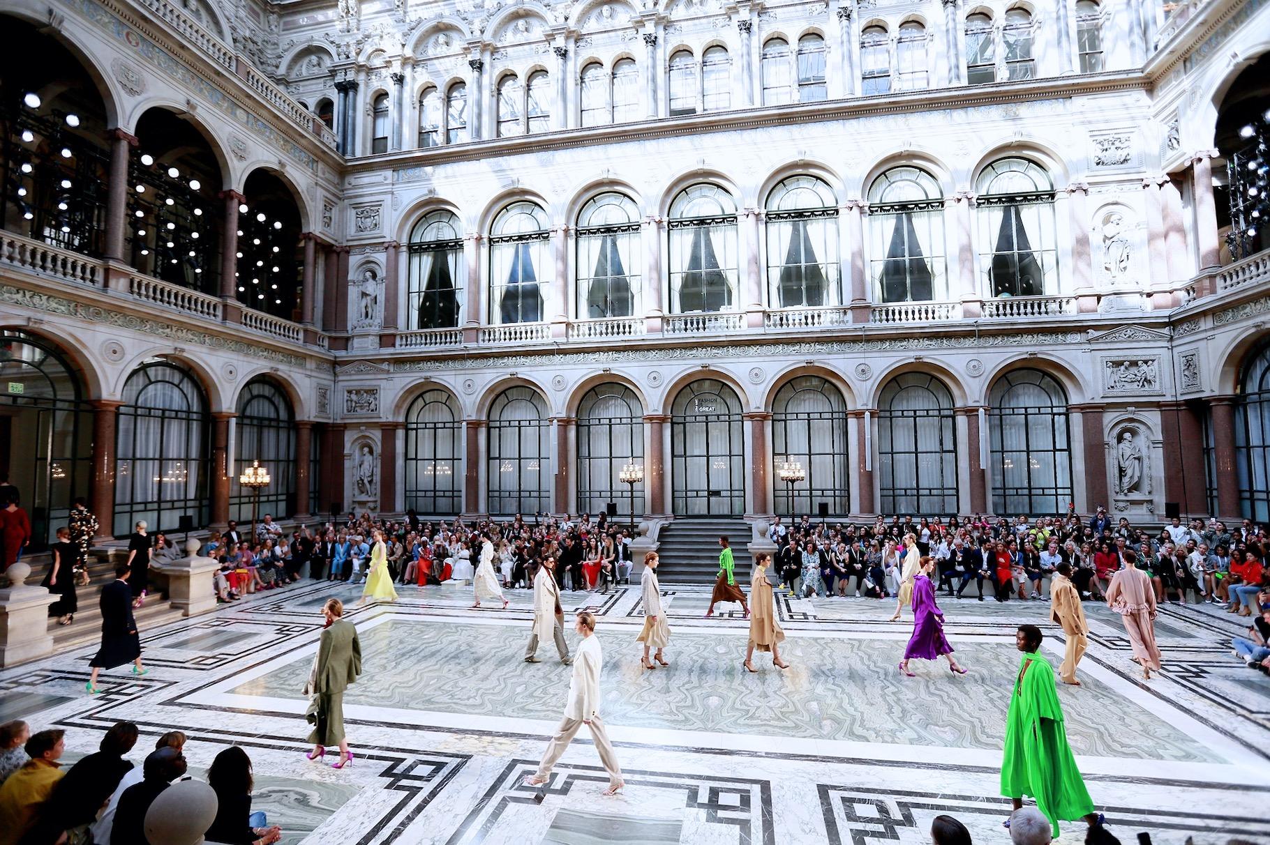 FASHION ZOO与英国时尚协会签约,将开启伦敦时装周中国日