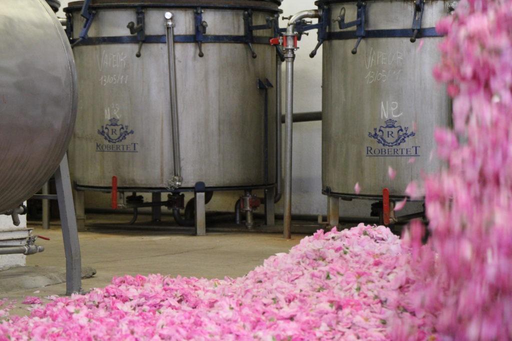瑞士香水原料巨头 Givaudan 投资法国天然香精香料制造商 Robertet