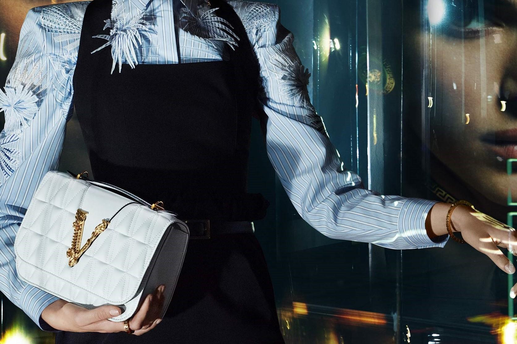 美国奢侈品集团 Capri 关闭旗下 Versace、Michael Kors 和 Jimmy Choo 欧美门店