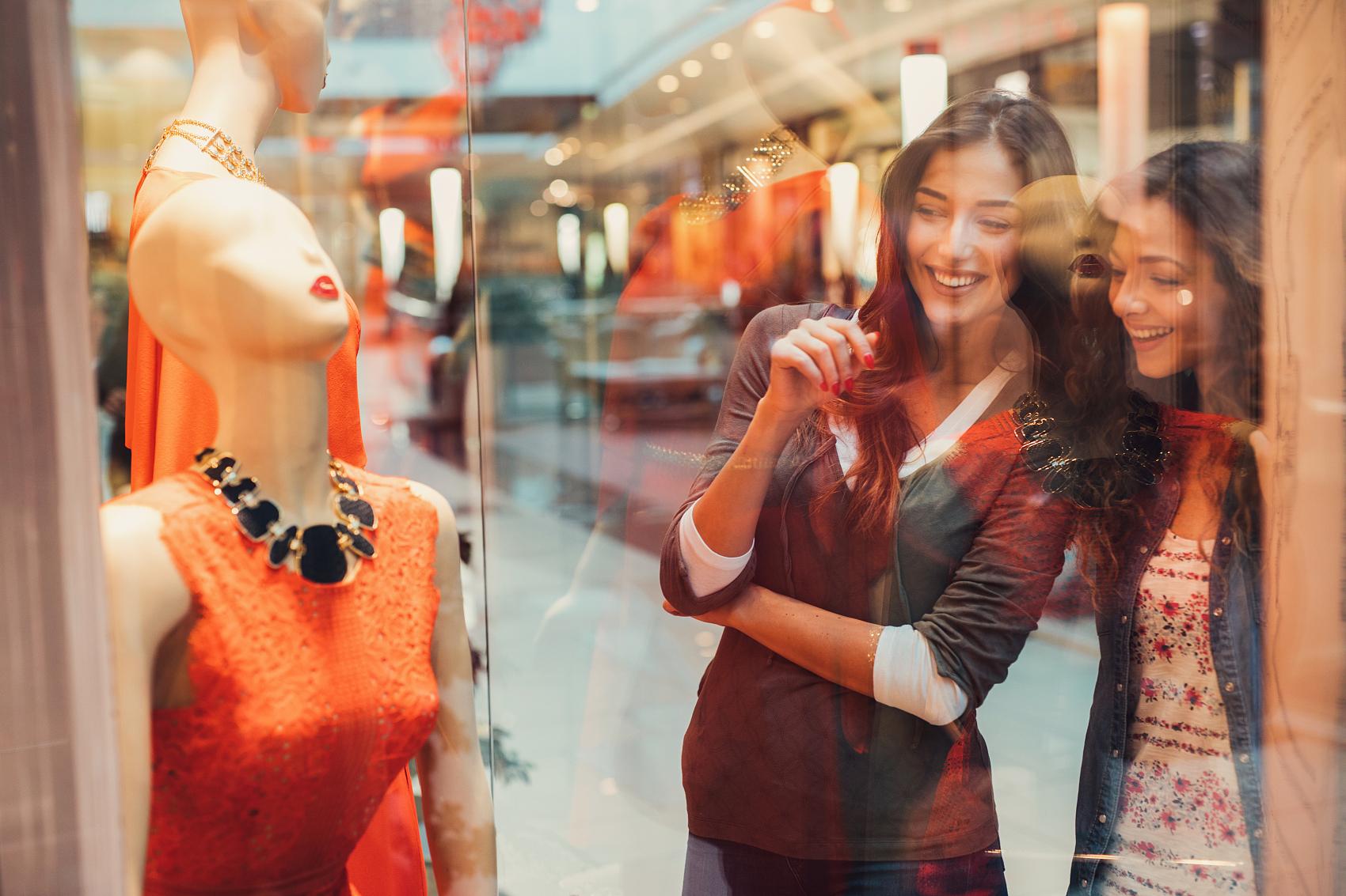 "BCG调研一万多名""真奢侈""消费人群,发现疫情后的全球奢侈品市场将出现这些重大变化"
