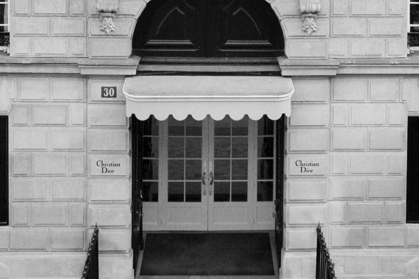 迪奥巴黎旗舰店修缮后开业,预计未来还将整修其他店铺