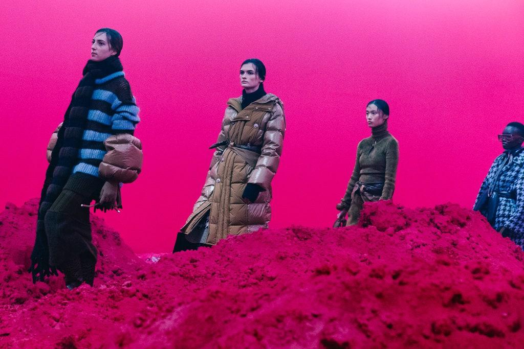 意大利时尚协会发布 2020年线上米兰时装周日程安排,共包括39场活动