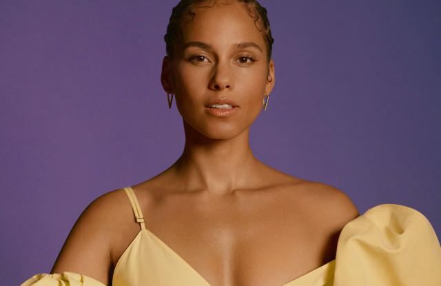 又一位歌坛天后自创品牌:Alicia Keys 联合 e.l.f. 打造全新生活方式美容品牌