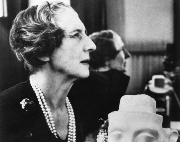 """Cartier 的""""猎豹女士"""",珠宝界第一位女性创意总监 《华丽志》女性珠宝设计大师系列之: Jeanne Toussaint"""