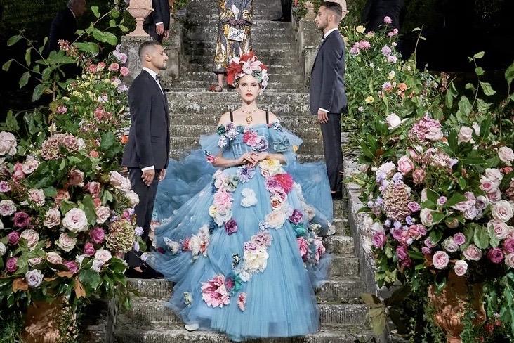 重振佛罗伦萨时尚,意大利奢侈品牌 Dolce&Gabbana 举办线下高定大秀
