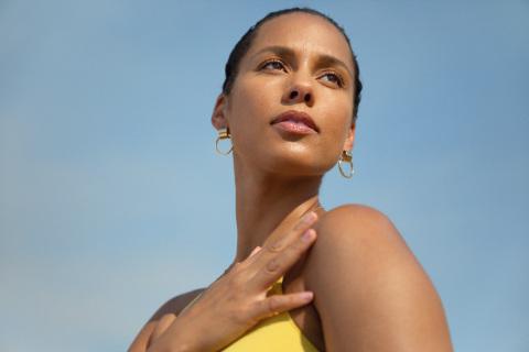 美国歌坛天后 Alicia Keys 联合e.l.f.推出全新生活方式美容品牌 Keys Soulcare