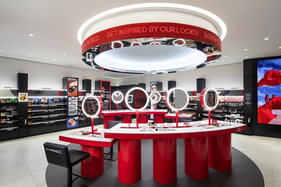 雅诗兰黛集团旗下专业彩妆品牌 MAC 在纽约试点数字零售新概念