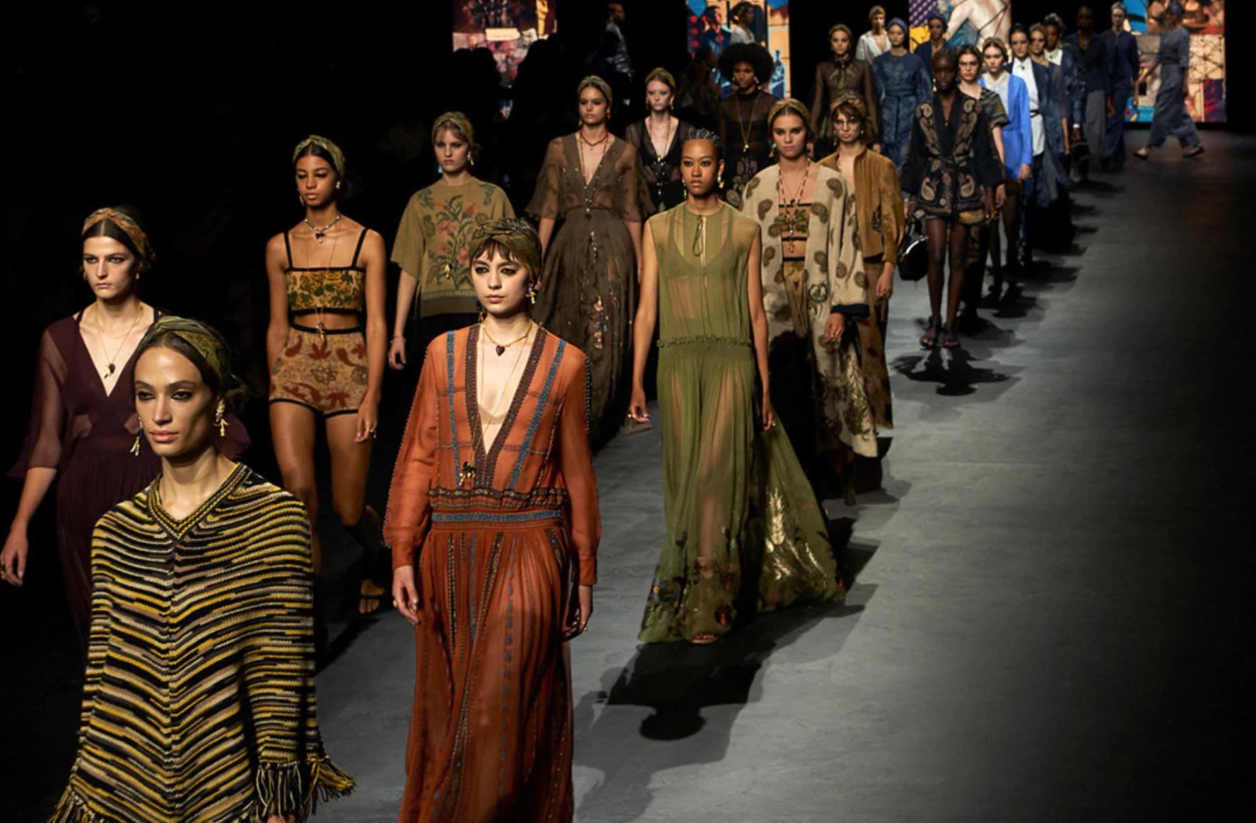 流媒体新纪录:Dior 巴黎时装周大秀观看量近一亿