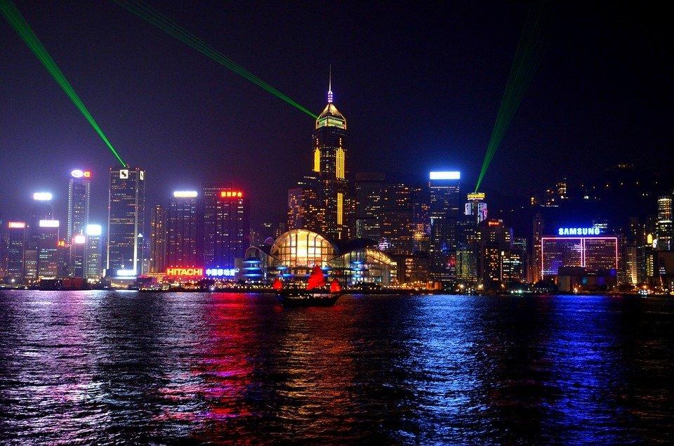 香港零售业连续第19个月下滑,8月份销售额降幅有所收窄,好于预期