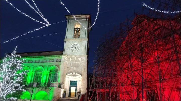 在 Brunello Cucinelli的资助下,四年前遭地震破坏的佩鲁贾市政广场钟塔修缮工作完成