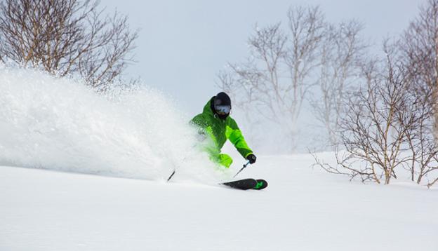 疫情重压下,日本的滑雪场还能挺得住吗?