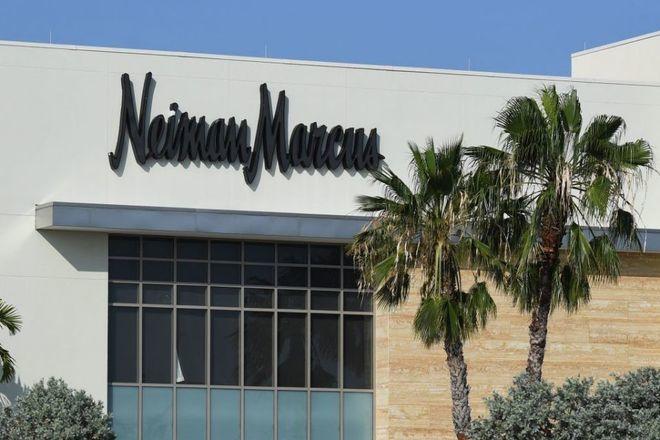 美国奢侈品百货 Neiman Marcus 摆脱破产阴影,但债务负担依然沉重