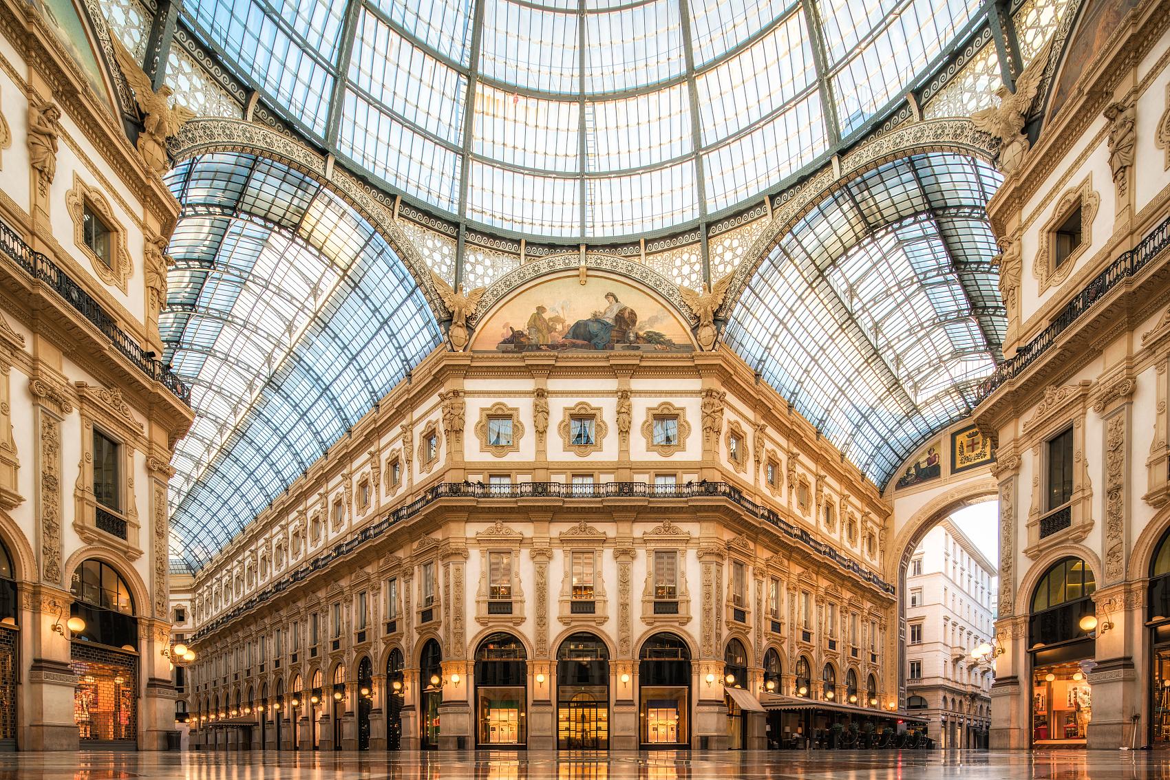 Chanel 与意大利珠宝品牌 Damiani 等五家竞标米兰埃马努埃莱二世拱廊的黄金铺位