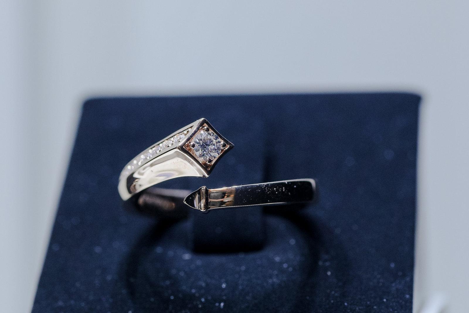 独家专访 | 戴比尔斯永恒印记CEO:女性消费者钻石自购率已超六成