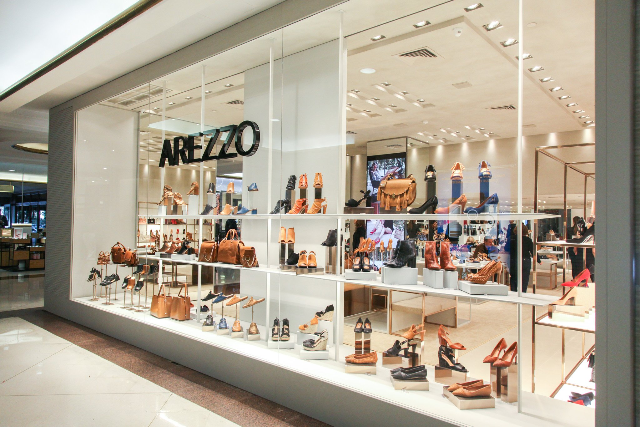 巴西鞋业巨头 Arezzo 收购沉寂三年的本土女鞋品牌 My Shoes