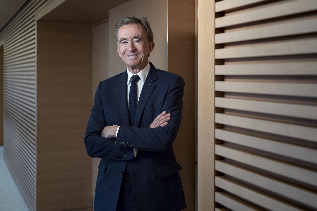 LVMH集团主席 Arnault 再登世界首富宝座,身家近2000亿美元