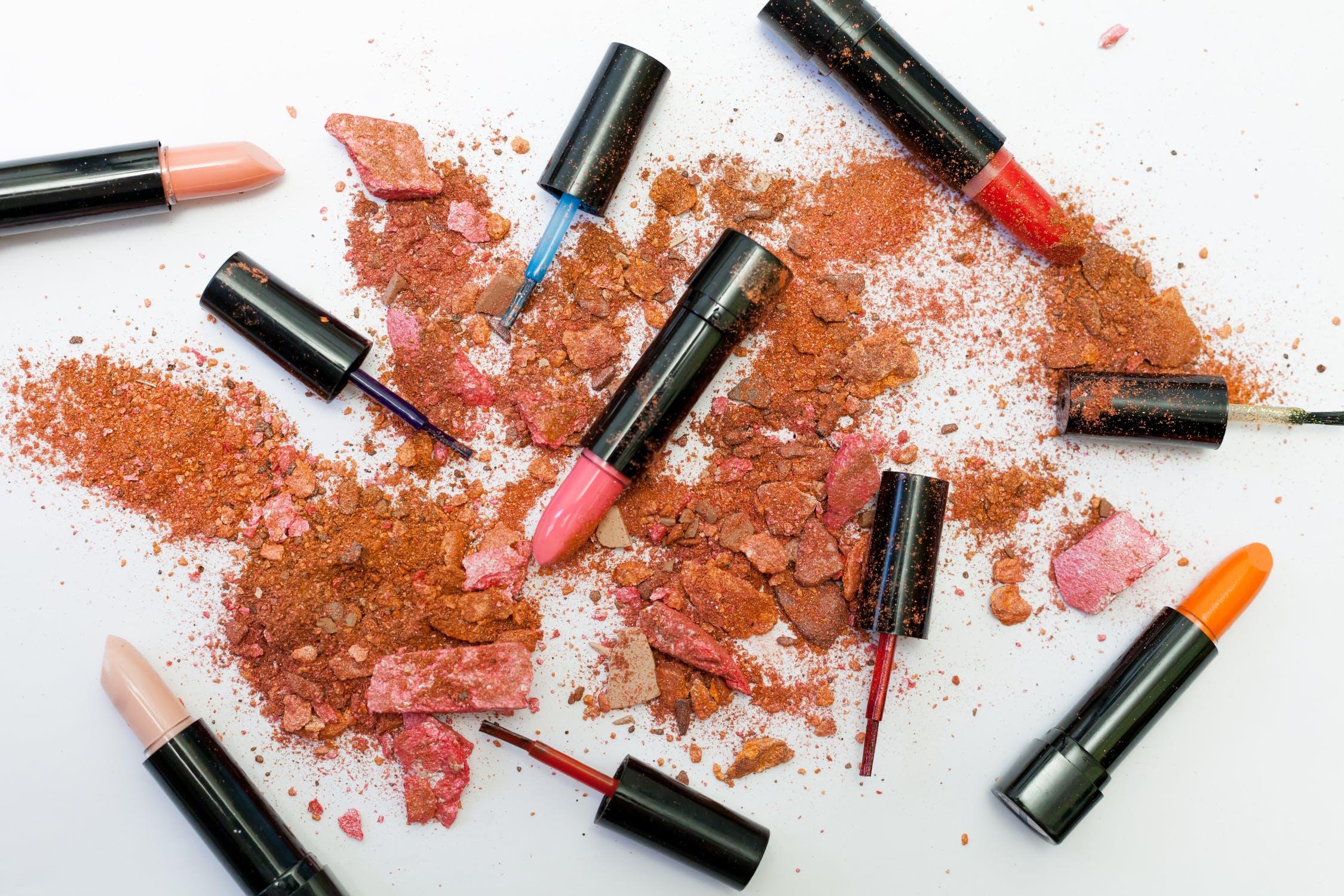 支持创意人士和KOL创立美妆品牌,日本@Cosme母公司联手OEM巨头推出全包式解决方案