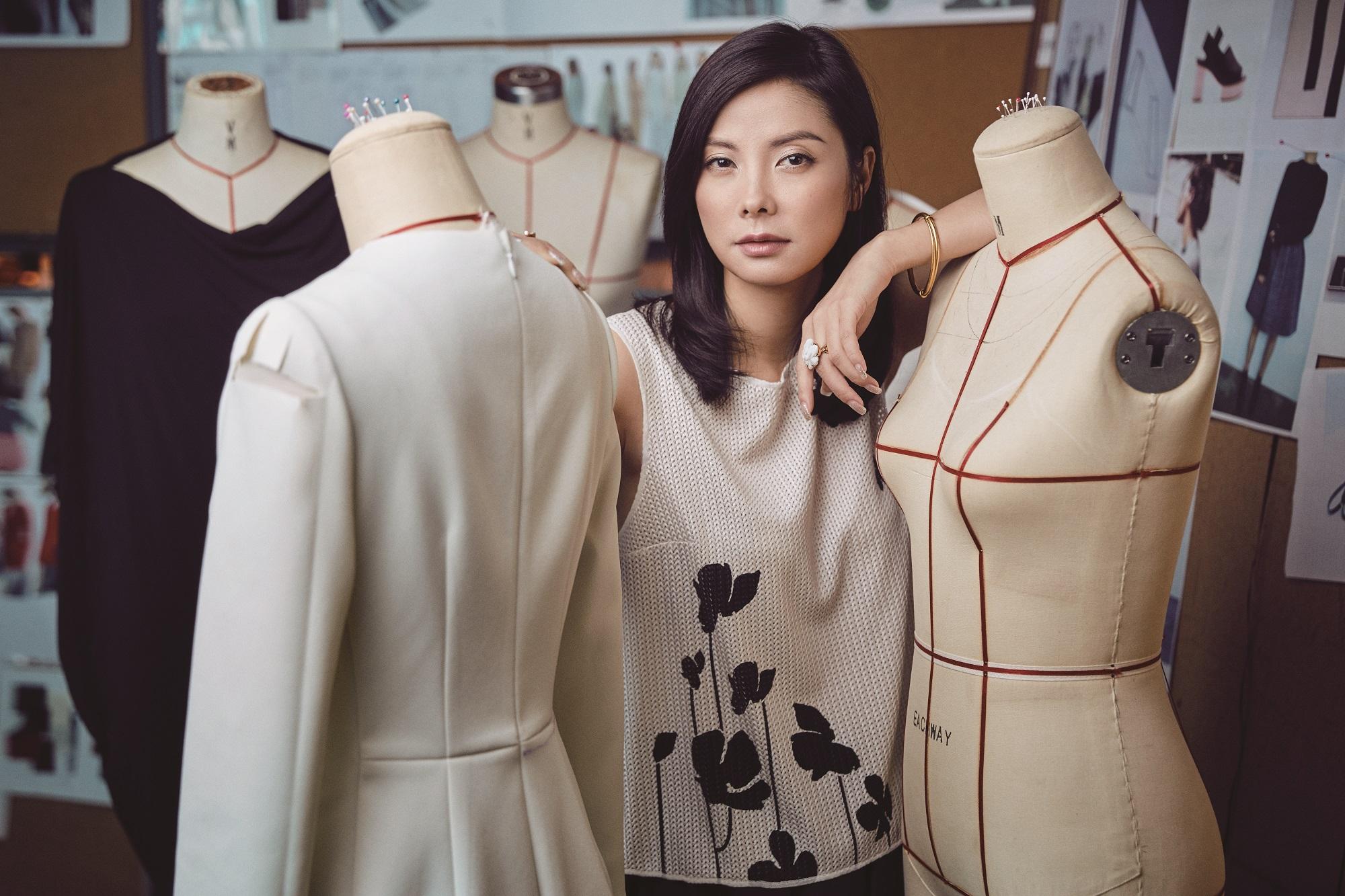 疫情后第一位赴米兰走秀的中国设计师!HUI 品牌创始人赵卉洲接受《华丽志》独家专访