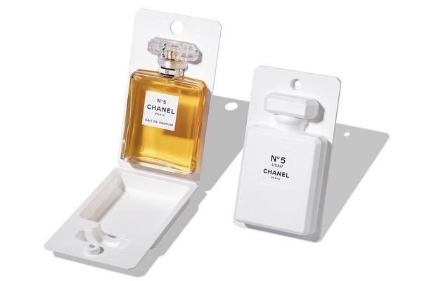 Chanel 为5号香水设计的翻盖包装摘得奢侈品包装大奖 Formes de Luxe Awards